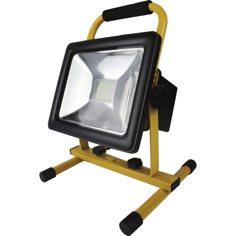 shada led akku strahler ip65 30 watt 2100 lumen m netzteil u gestell. Black Bedroom Furniture Sets. Home Design Ideas